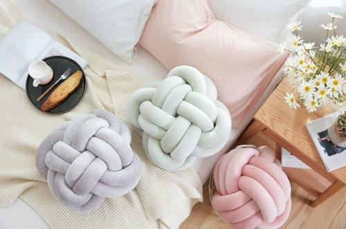 打結造型抱枕