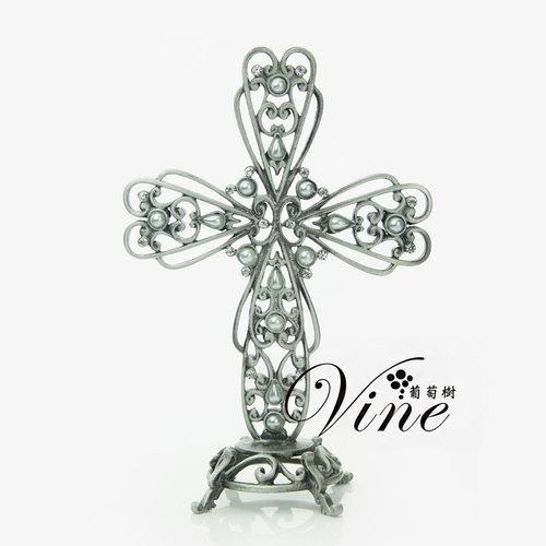 古金琥珀色十字架