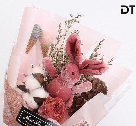 萌萌許願兔乾燥花束精緻禮盒包裝 送禮最佳選擇