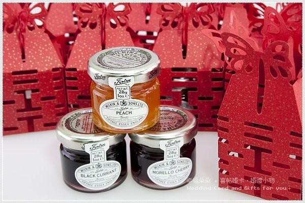 婚禮週邊-鏤空囍字喜糖盒(100個)+英國TIPTREE小果醬(100份)+送100入專用紙箱(1個) (限宅配)