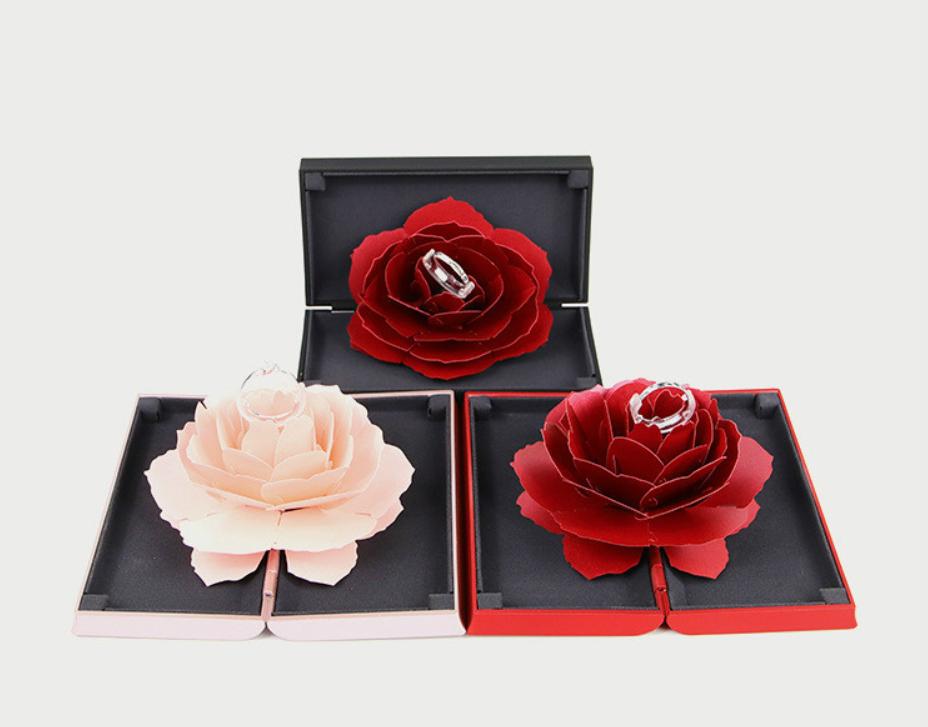 旋轉玫瑰戒指盒
