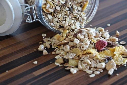 麥片營養好處多,勝過一般早餐精緻澱粉