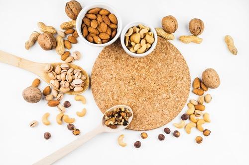富含植物性蛋白質的堅果、穀物-1
