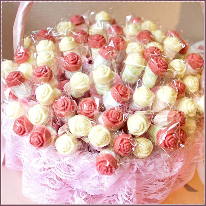 婚禮週邊-[鍾愛]玫瑰巧克力棉花糖棒X100支(2色各半)+大提籃X1個-★需依日期預訂客製(限低溫宅配)