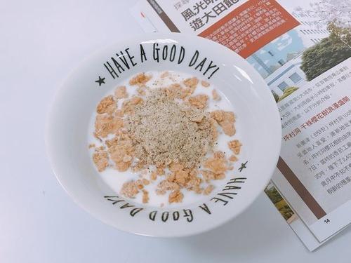 有其田3色天然有機藜麥粉加入豆漿及special K麥片