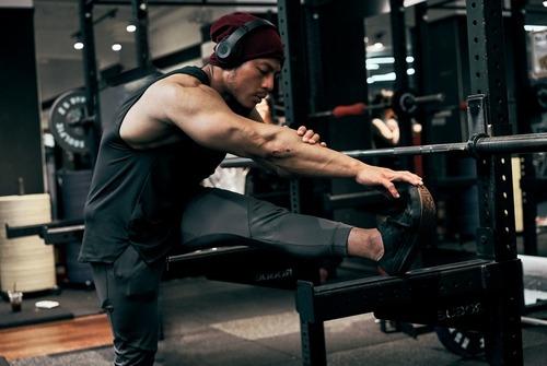 健身穿著需掌握俐落的經典元素|Evolete apparel