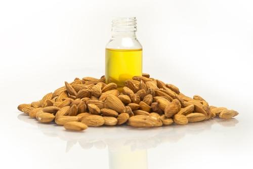 不飽和脂肪酸的杏仁油