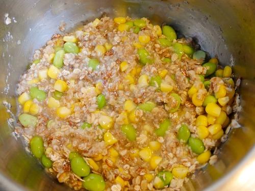 鹹麥片粥材料加水煮滾