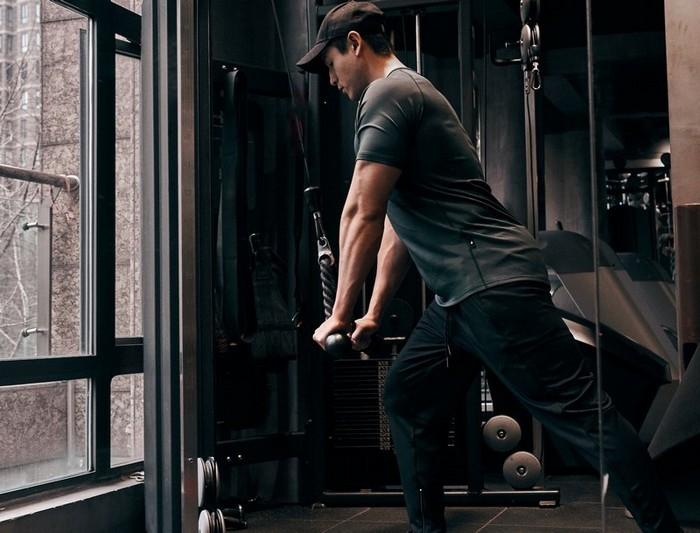 運動衣搭配介紹:這樣的合身穿著讓重訓打造舒適又高回頭率!|Evolete Apparel