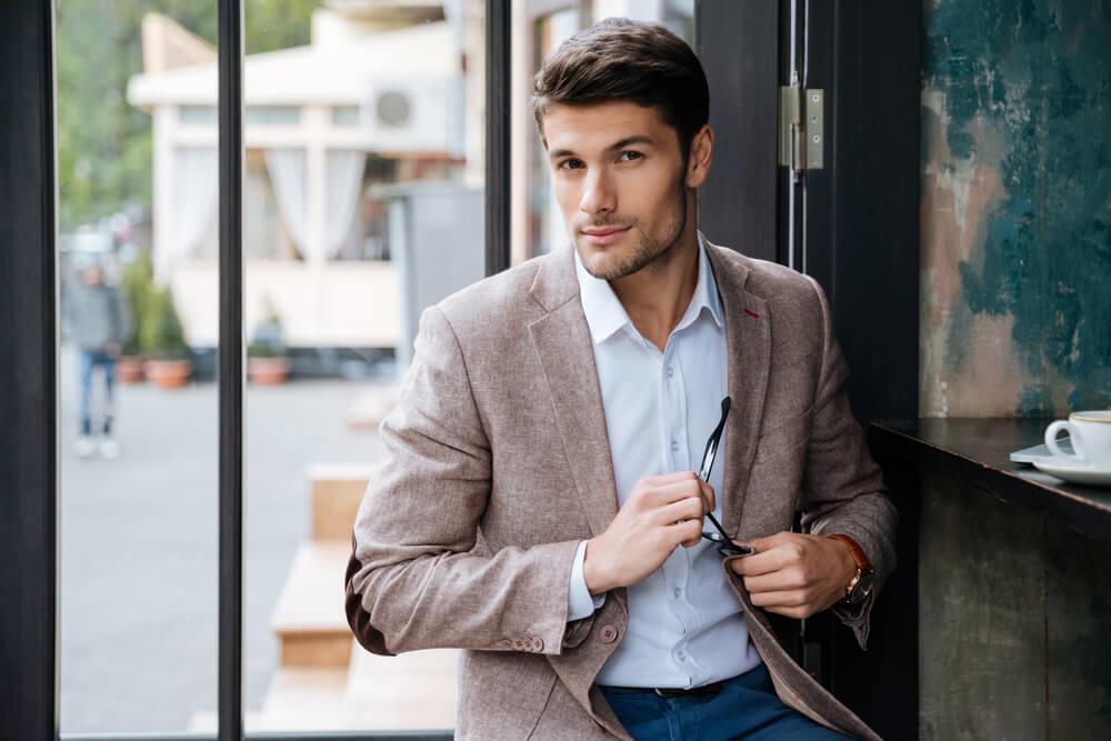 職場穿搭:正式場合選擇成套西裝