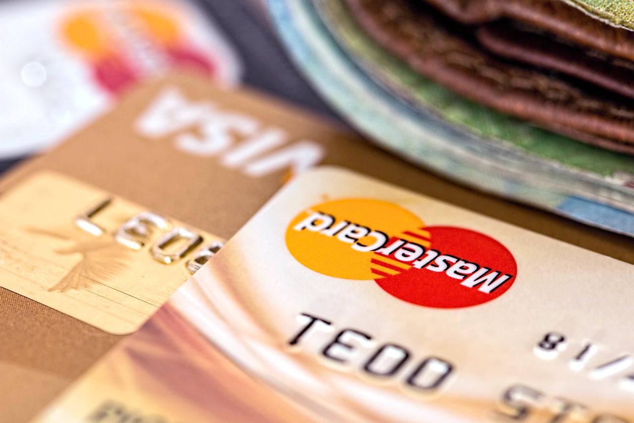 申請一張網購都有回贈或者積分嘅信用卡