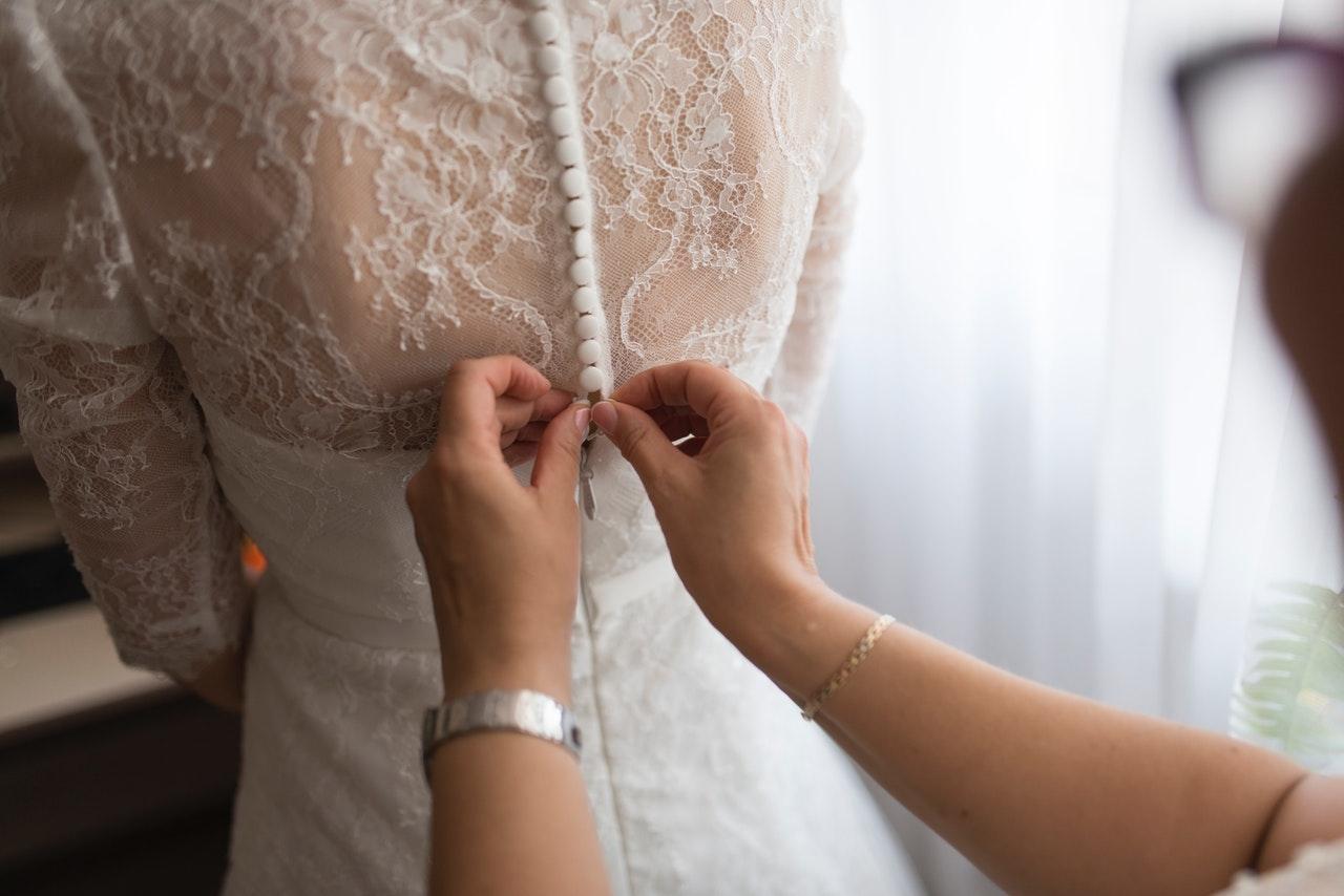 嫁衣造型一定花你唔少時間