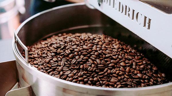 烘焙精品咖啡豆中