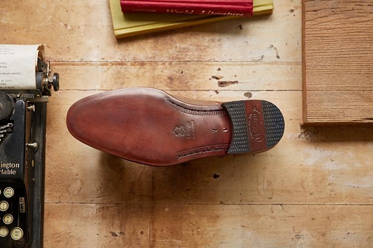 """""""皮革鞋"""""""