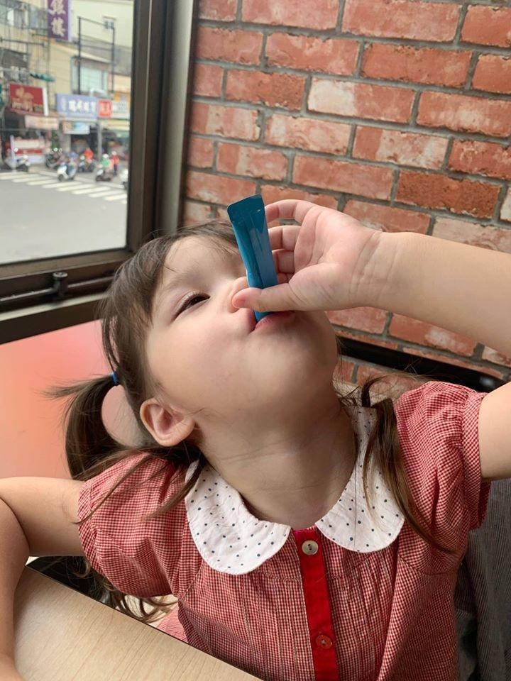 兒童益生菌推薦-台澳混血双岦兄妹-Livio & Leah好評推薦3