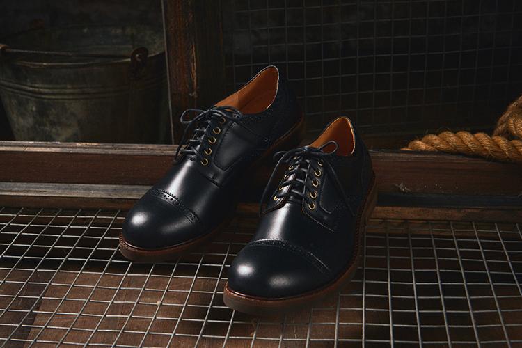 """""""工作鞋"""""""