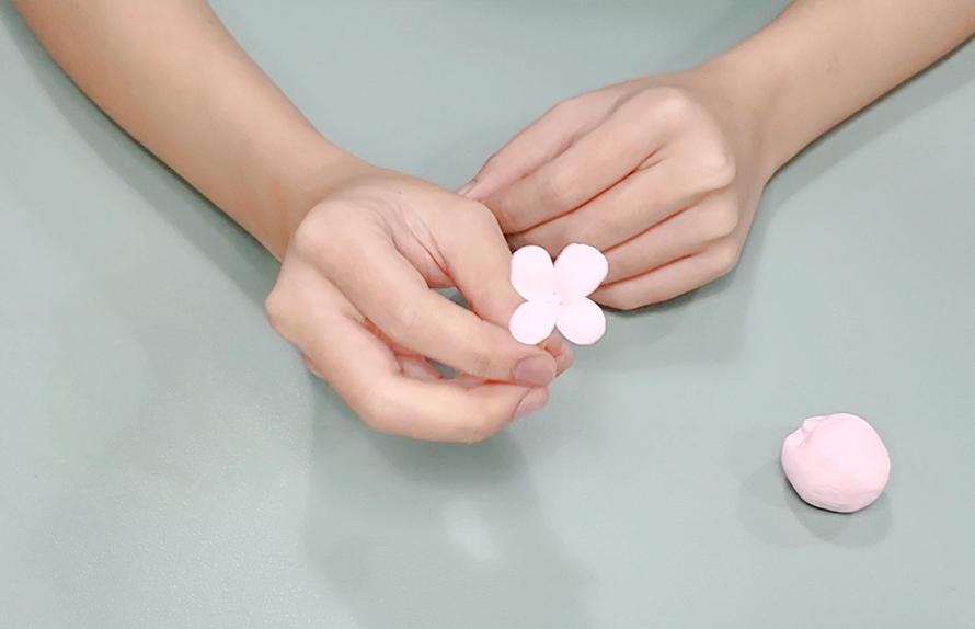 輕黏土小花裝飾做法