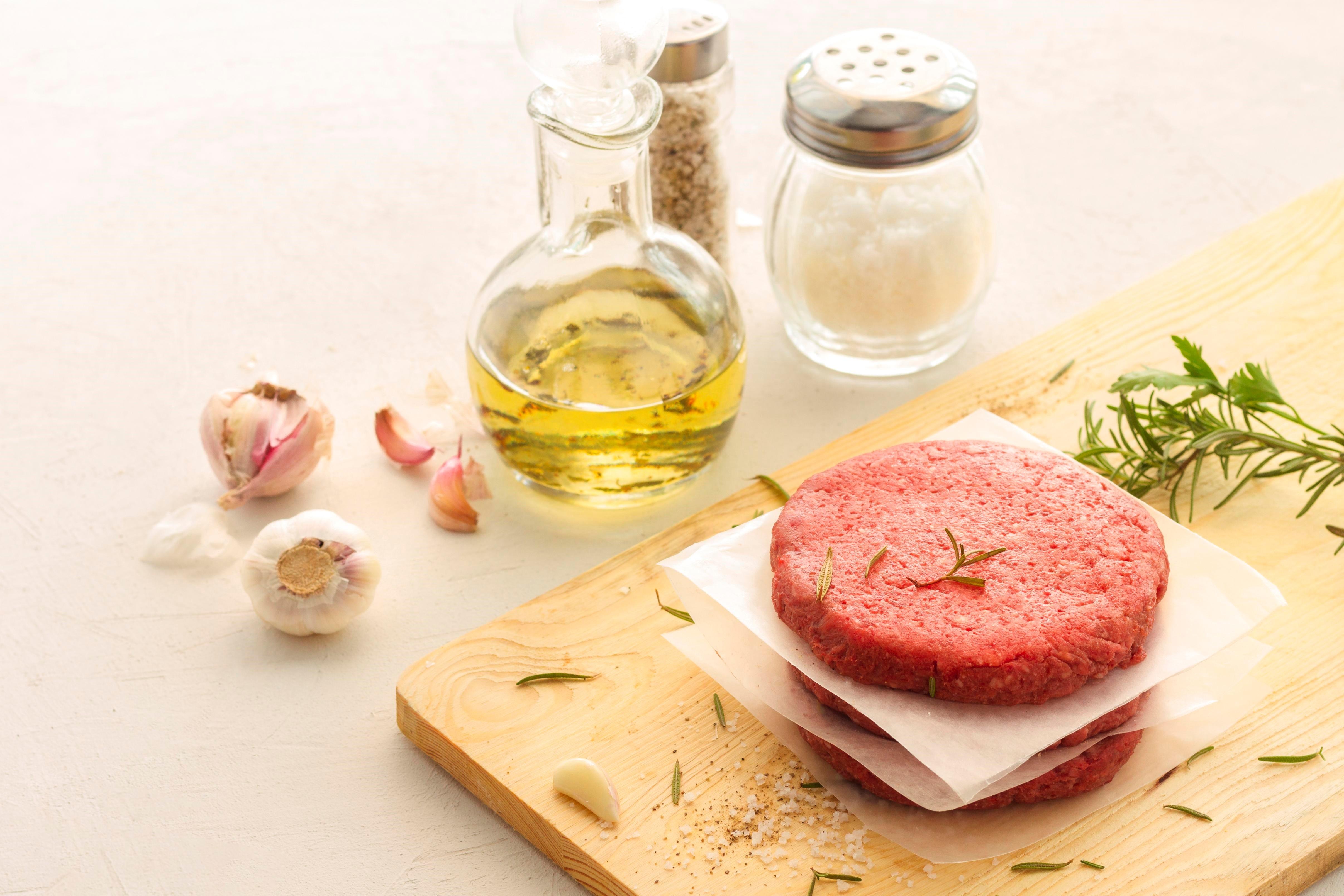 未來肉成分主要是豌豆分離蛋白、馬鈴薯澱粉,以及香料、麥芽糊精、增稠劑等添加物