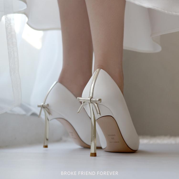 金屬跟蝴蝶結尖頭細高跟鞋婚鞋|破產姊妹 B.F.F.