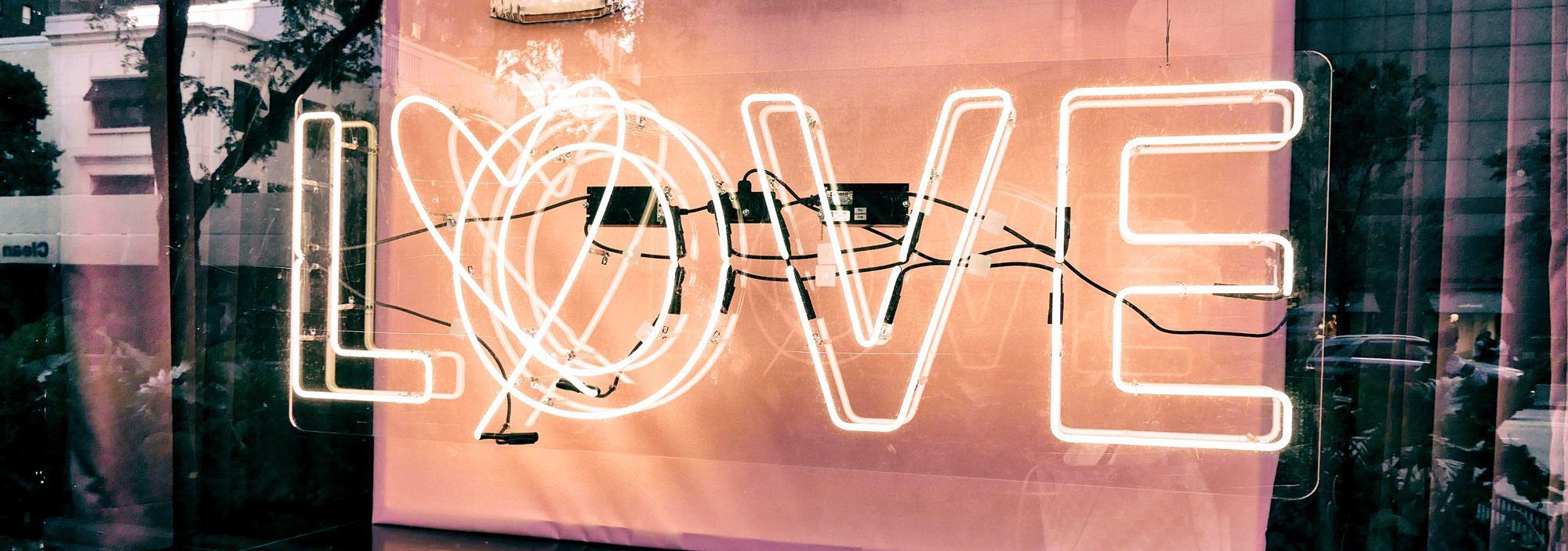 【暖男手冊】浪漫小禮物大全 網購女朋友禮物|Kama Delivery Catering西式美食到會外賣餐飲服務