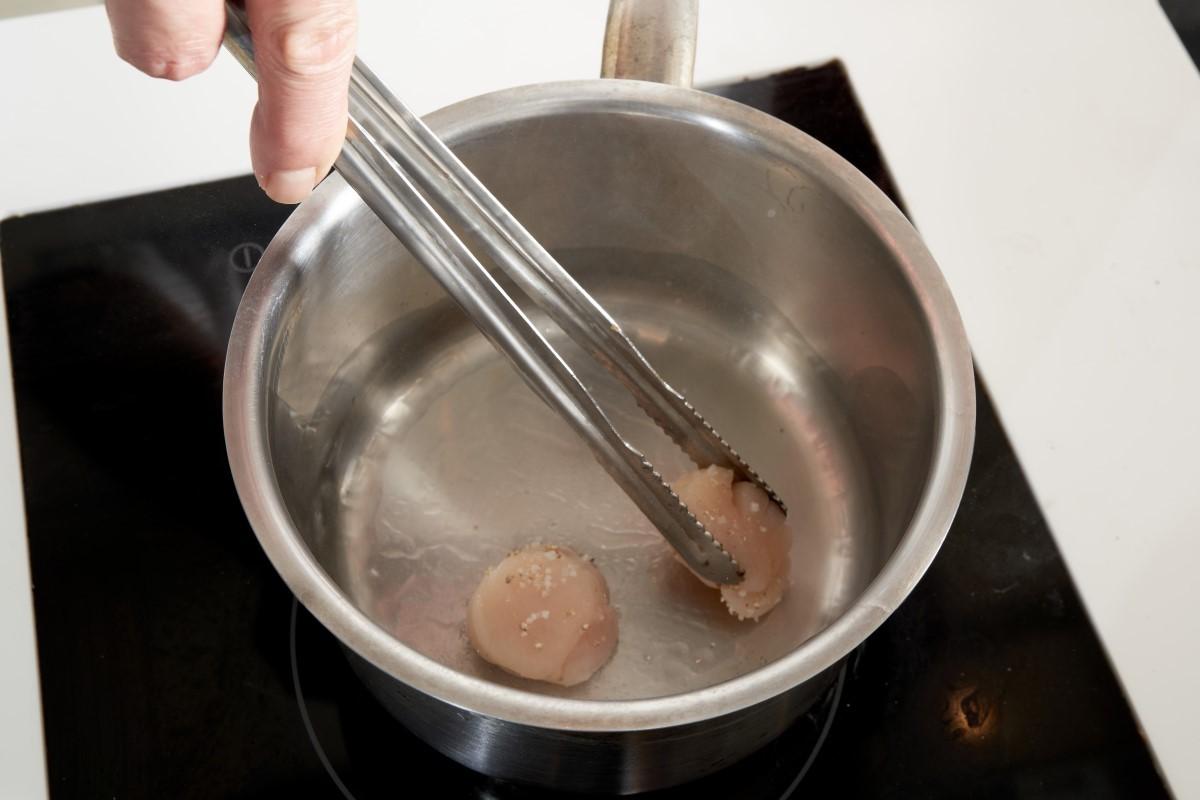 水波鮭魚奶油白菜襯魚子_4