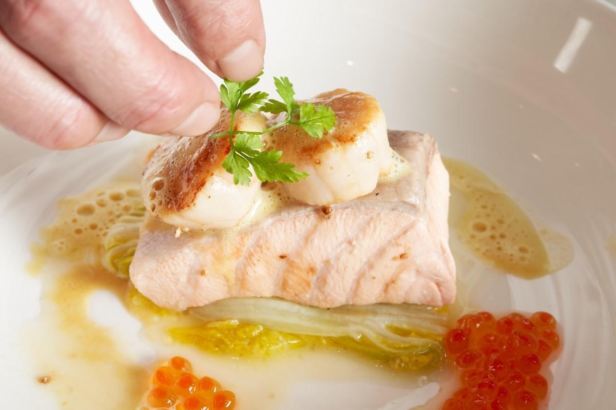 水波鮭魚奶油白菜襯魚子_8