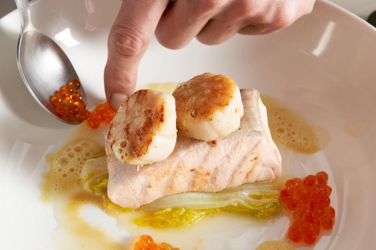 水波鮭魚奶油白菜襯魚子_7