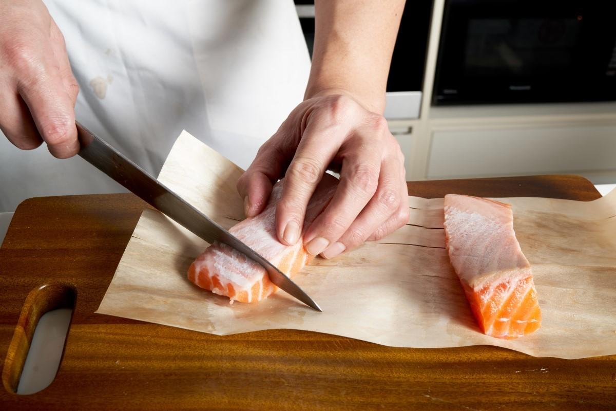 水波鮭魚奶油白菜襯魚子_3