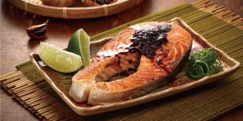 黑蒜香煎鮭魚