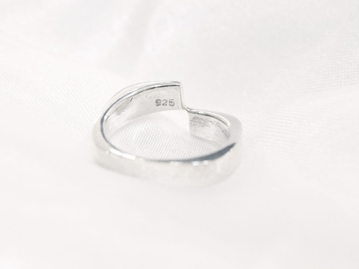 S925 以上純度銀飾較不易引發過敏。