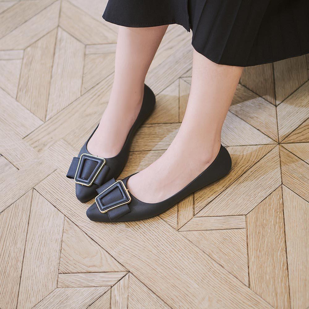 RCha。氣質扣環尖頭平底鞋