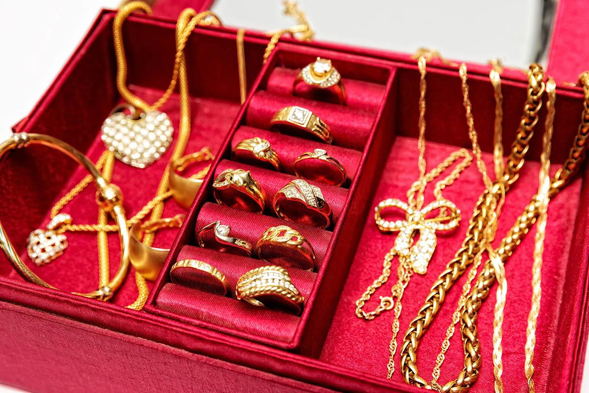 結婚金飾與彌月金飾套組是近年常見的黃金回收項目