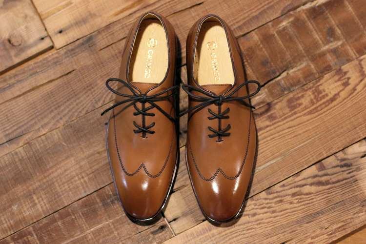 牛津鞋的使用的X型鞋帶綁法