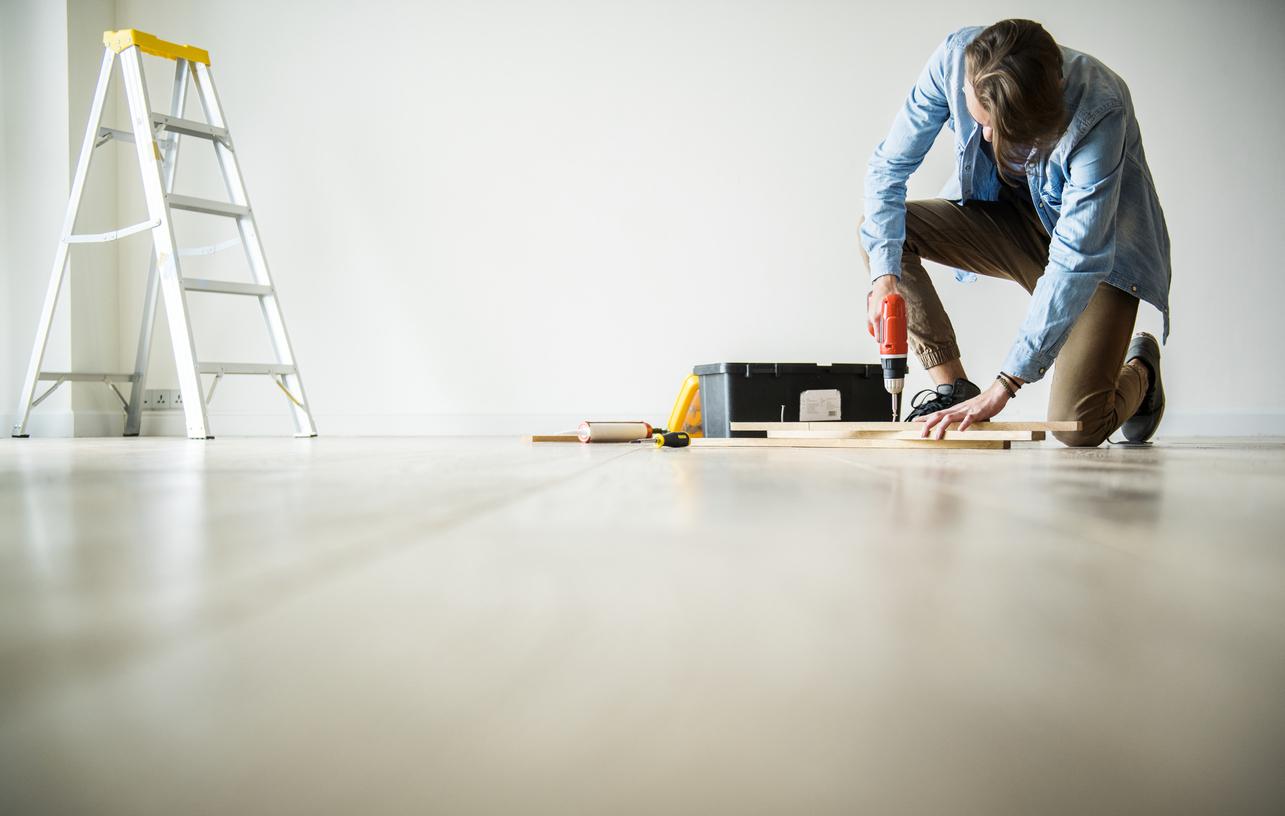 如何自己在家貼地板?