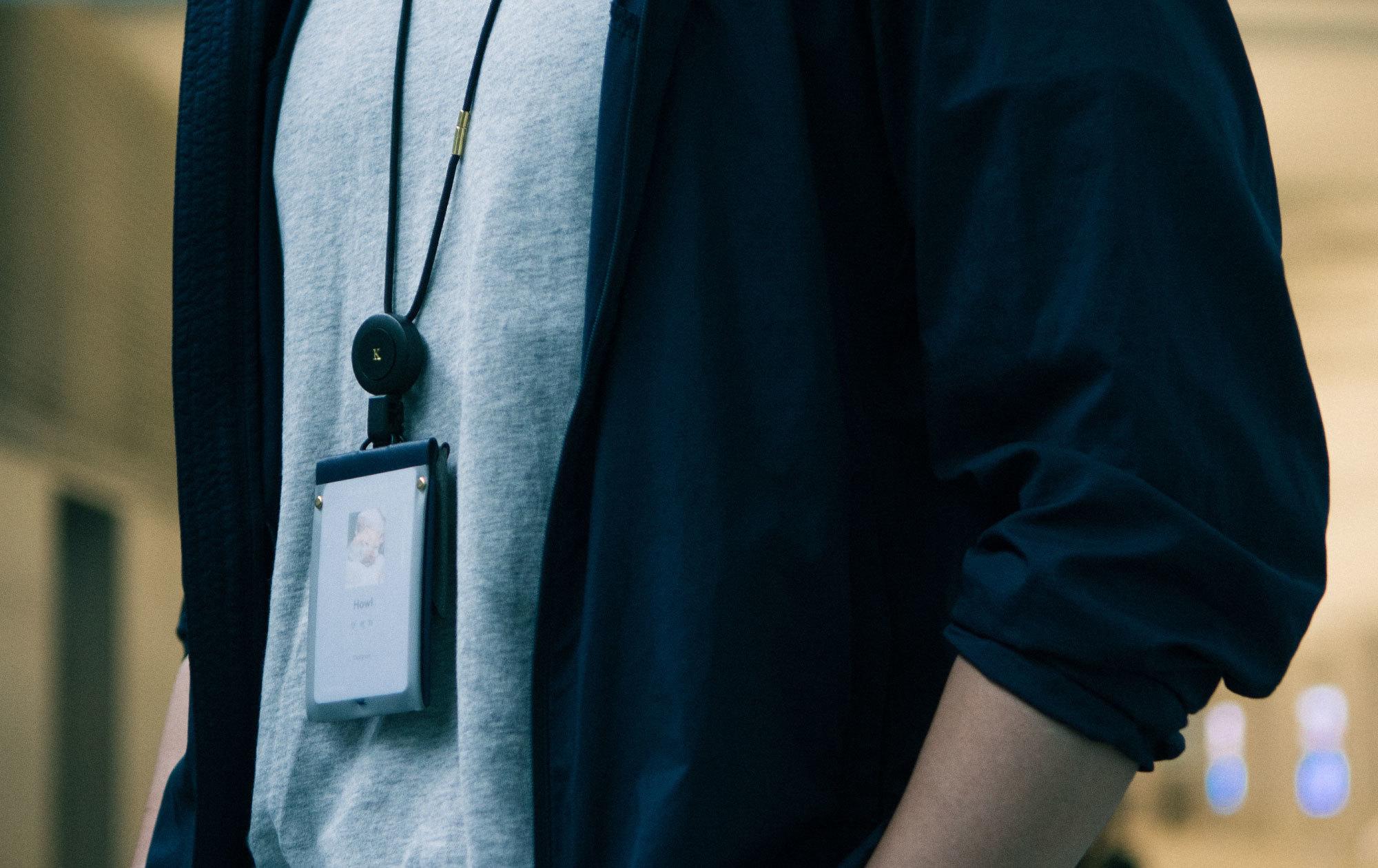 送男同事離職禮物0.9badge雙面感應證件套掛在脖子上,舒適好用,祝福凸顯未來工作專業形象