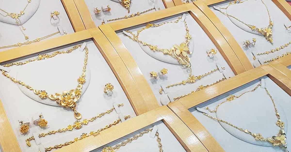 買黃金飾品除了想保值外,最重要還是自己喜不喜歡,999純金無法配戴出門,只能鎖保險庫,終究是遺憾