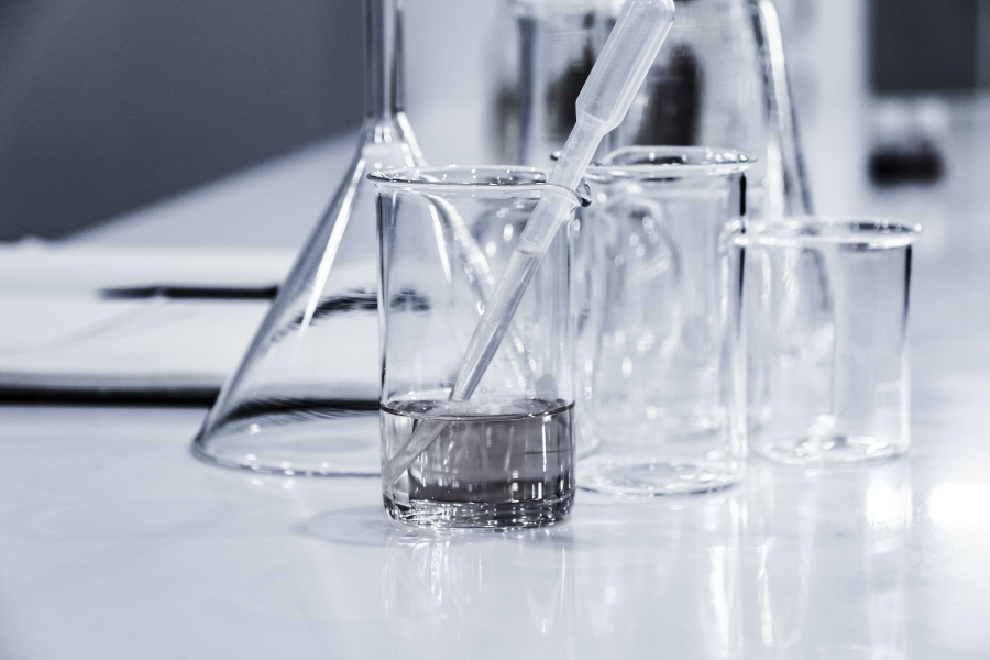 保養新寵:維他命B3衍生物菸鹼醯胺(Niacinamide)功效深入解析 Photo by Hans Reniers on Unsplash
