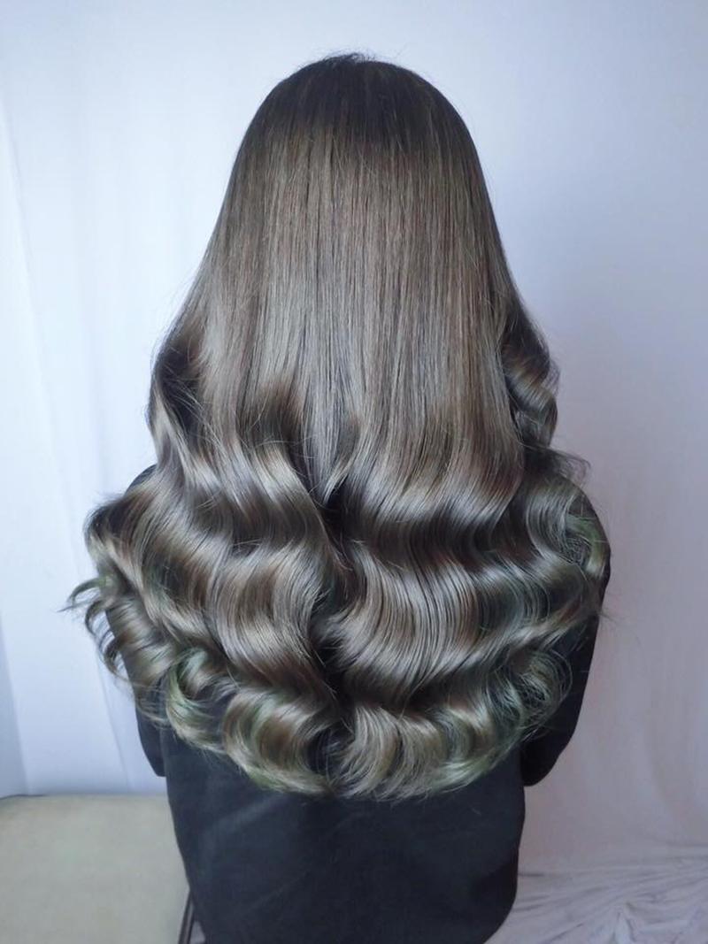 Ink Hair專業沙龍設計師精選作品集長捲髮背影篇冷綠棕色染髮