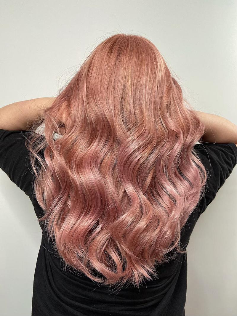 Ink Hair專業沙龍設計師精選作品集長捲髮背影篇粉玫瑰金漂色染髮