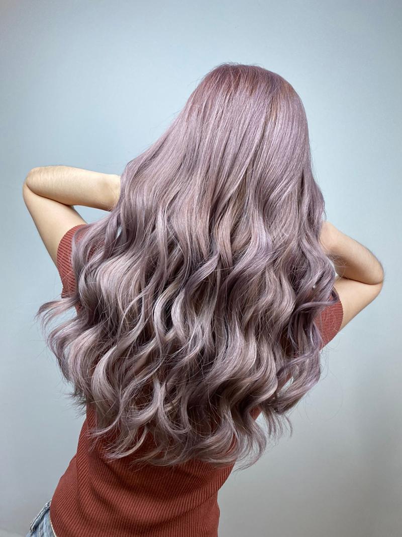 Ink Hair專業沙龍設計師精選作品集長捲髮背影篇紫灰色染髮