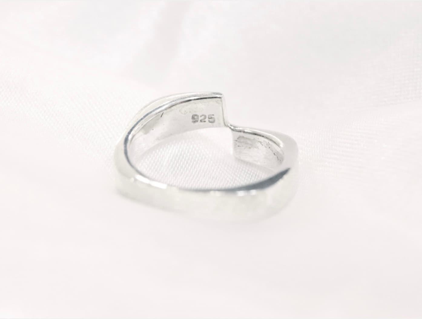 銀飾純度各有不同,最常見的為 925 銀。