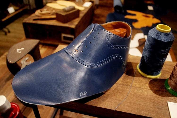 剛完成縫製的鞋面