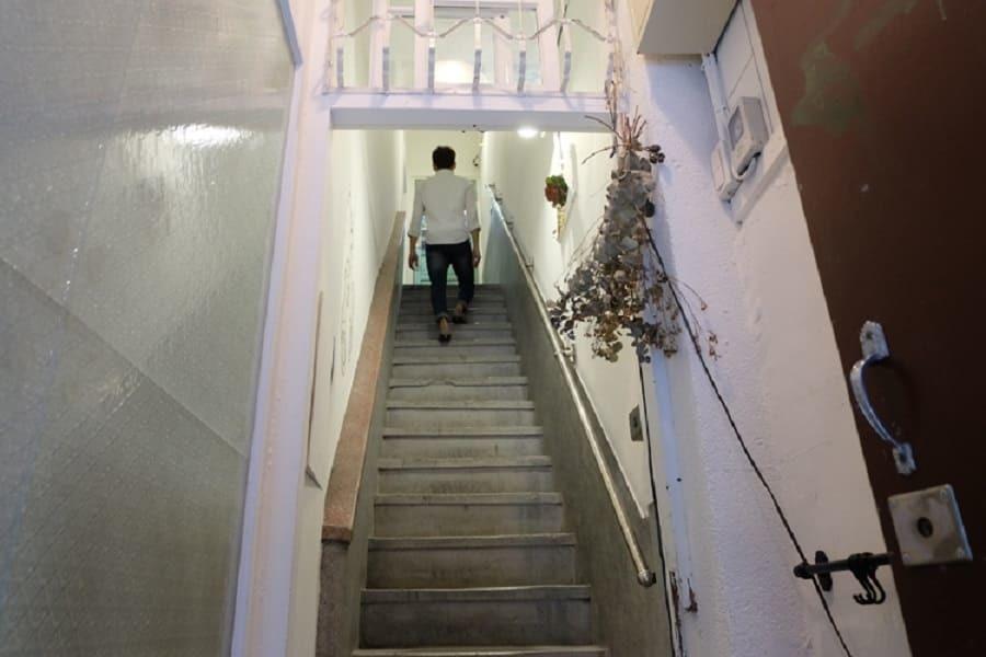 往好人好室的樓梯