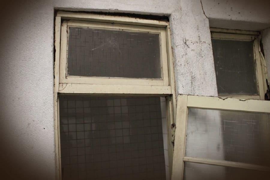 壞掉的門窗