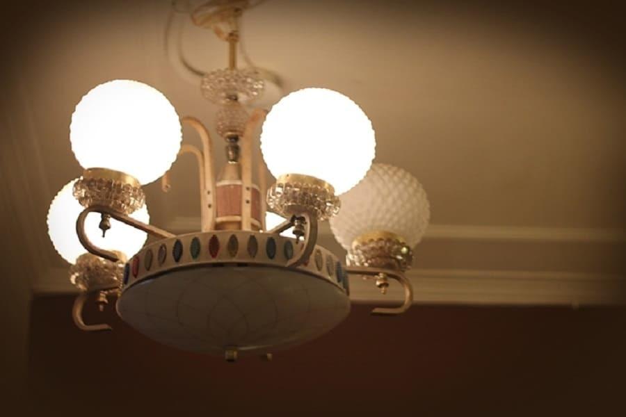 老屋原本留下來的吊燈