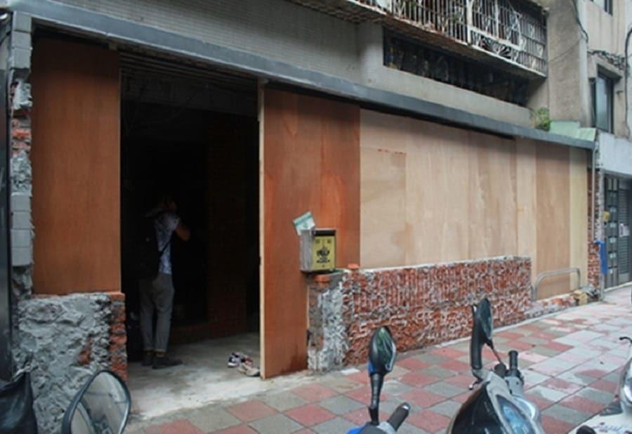 裝潢前拆掉了牆壁 露出裸露的磚牆