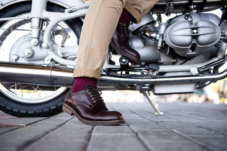 紳感橫飾德比鞋