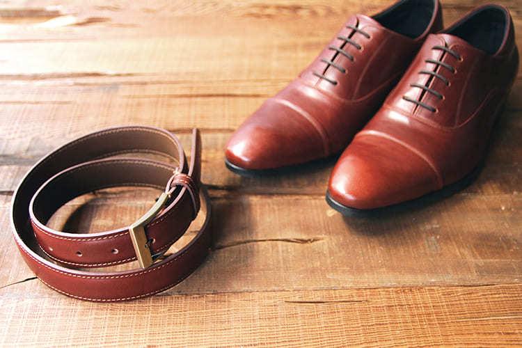 牛津鞋與皮帶
