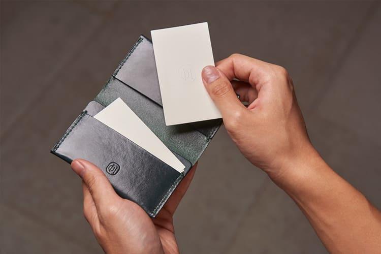 名片夾的設計正反攤開都可以使用