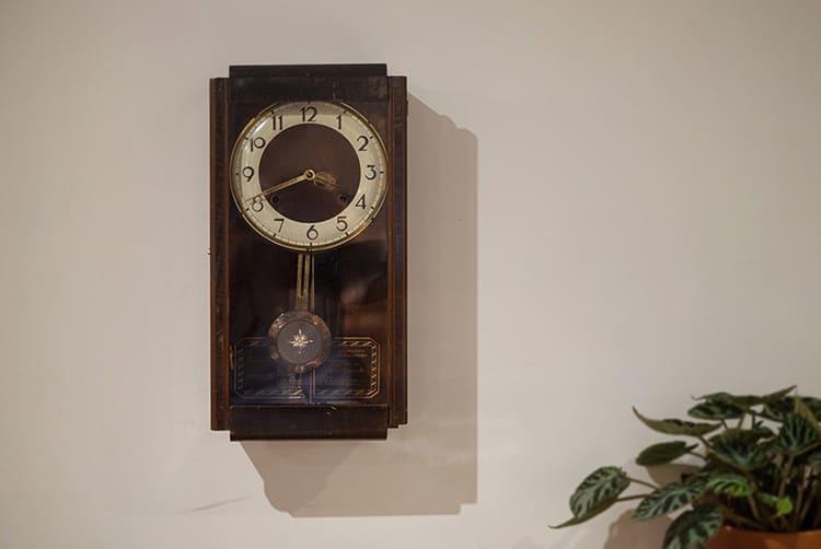 會整點發出聲響的發條老鐘
